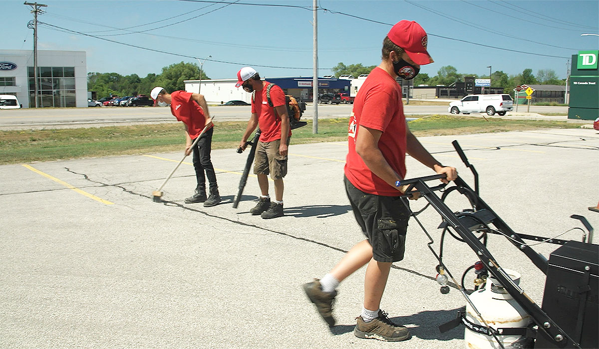 AsphaltKingdom-hire-asphalt-maintenance-business